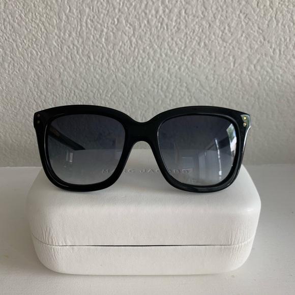 Marc Jacobs Accessories - Marc Jacobs Black Wayfair/Cat eye Sunglasses